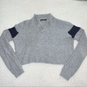Brandy Melville - grey cropped sweater